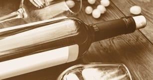 Flasche weißer Wein thanksgiving Getontes Bild Stockbilder