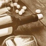 Flasche weißer Wein thanksgiving Getontes Bild Lizenzfreie Stockfotos