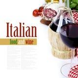 Flasche Wein aus Italien und frischen Bestandteilen Stockfotografie