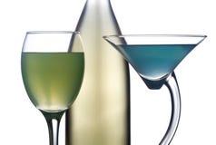 Flasche Wein mit zwei Gläsern Stockfoto