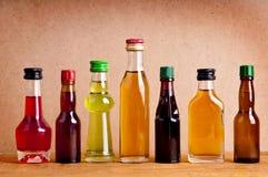 Flaschen alkoholisches Getränk lizenzfreie stockfotos