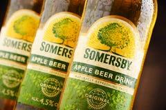 Flaschen des Somersby-Apfelweingetränks Stockbild