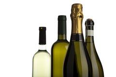 Flaschen des weißen Weins, des Champagners und des prosecco lizenzfreies stockfoto