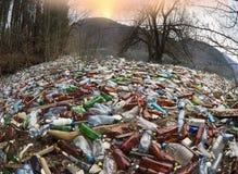 Flaschen im Reservoirberg Lizenzfreie Stockfotos