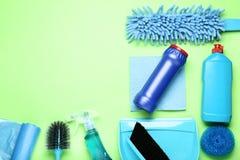 Flaschen mit Reinigungsmittel lizenzfreie stockfotografie