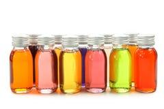Flaschen mit wesentlichen Schmierölen Stockbild