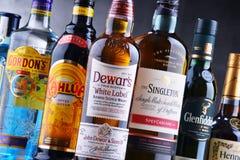 Flaschen sortierte globale Schnapsmarken Lizenzfreie Stockfotos