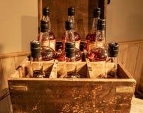 Flaschen von Bourbon lizenzfreie stockbilder