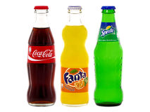 Flaschen von Coca-Cola, von Fanta und von Sprite Stockfotos