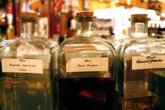 Flaschen von Rhum lizenzfreie stockfotografie