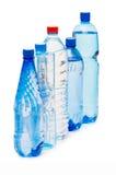 Flaschen Wasser getrennt Lizenzfreie Stockbilder