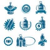 Flaschenwasseraufkleber und Elementsatz Wasserikonensammlung Vektor Lizenzfreies Stockbild