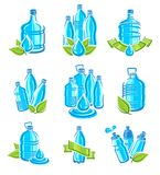 Flaschenwasseraufkleber und Elementsatz Wasserikonensammlung Vektor Stockfotos
