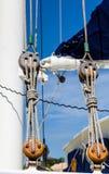 Flaschenzug auf Nizza Segelboot Lizenzfreies Stockbild