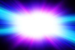 Flash branco brilhante em um fundo azul Fotos de Stock Royalty Free