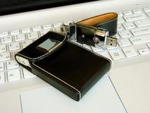 Flash card e titolare della carta sulla tastiera Immagini Stock