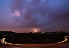 Flash elétrico contra o tráfego Imagem de Stock