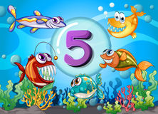 Flashcard number 5 with 5 fish underwater. Illustration Royalty Free Stock Photos