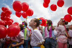 Flashmob vallmo av minnet i Kyiv Arkivbild
