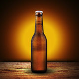Flaska av kallt öl Arkivfoto
