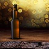 Flaska av kallt öl Arkivbild