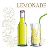 Flaska av lemonad och ett exponeringsglas på bakgrunden av en skissa Royaltyfria Bilder