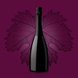 Flaska av vin över röd bakgrund med bladet Royaltyfri Fotografi