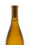 Flaska för CloseupChardonnay vin Fotografering för Bildbyråer