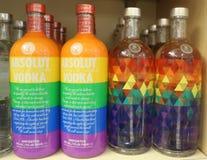 Flaska för jämställdhet för riktiga färger för Absolut vodka Royaltyfria Foton