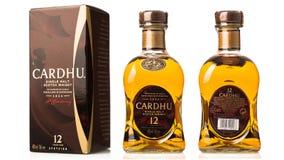 flaskan av enkel malt kväv whisky CARDHU med asken Royaltyfri Foto