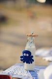 flaskan mjölkar Arkivbild