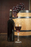 flaskexponeringsglas ställde in vit wine sju sex Arkivfoto