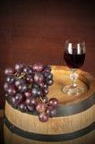 flaskexponeringsglas ställde in vit wine sju sex Royaltyfria Foton