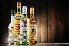 Flaskor av berömda globala rommärken Royaltyfri Fotografi