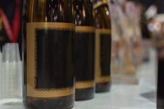 Flaskor av Japan starksprit på stången Fotografering för Bildbyråer