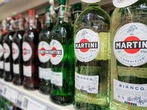 Flaskor av Martini Bianco Vermouth Arkivfoto