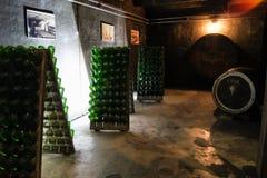 Flaskor i ställningarna Royaltyfria Foton