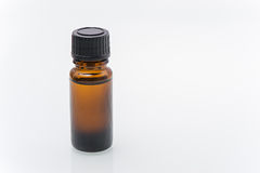 Flaskor med den svarta skruv-överkanten för en medicin Royaltyfri Bild