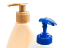 Flaskor med schampo och duschen stelnar Royaltyfria Foton