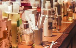 Flaskor och exempel av lukten Royaltyfria Bilder