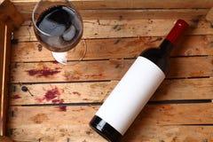 flaskrött vin Arkivfoton