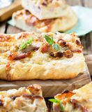 Flat bread with bacon, cauliflower, cheese Royalty Free Stock Photos