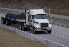 flatbed ciężarówka. Fotografia Royalty Free