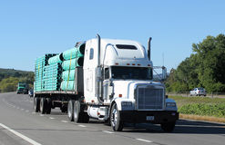 Flatbed tractor trailer Royalty Free Stock Photo