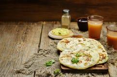 Flatbread farcito patata indiana Immagine Stock