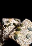 Flatbreads del seme di zucca e del sesamo Fotografia Stock Libera da Diritti