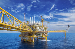 Flatform en mer de production de gaz Images stock