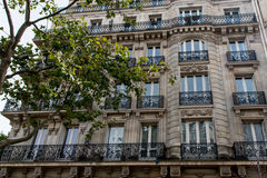 Flatgebouw in Parijs Stock Foto's