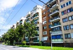 Flatgebouwblok met kogelgaten in Sarajevo royalty-vrije stock afbeelding