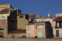 Flatgebouwen in Antibes Franse riviera, Middellandse Zee Stock Fotografie